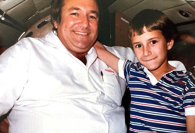 barry seal junto a su hijo